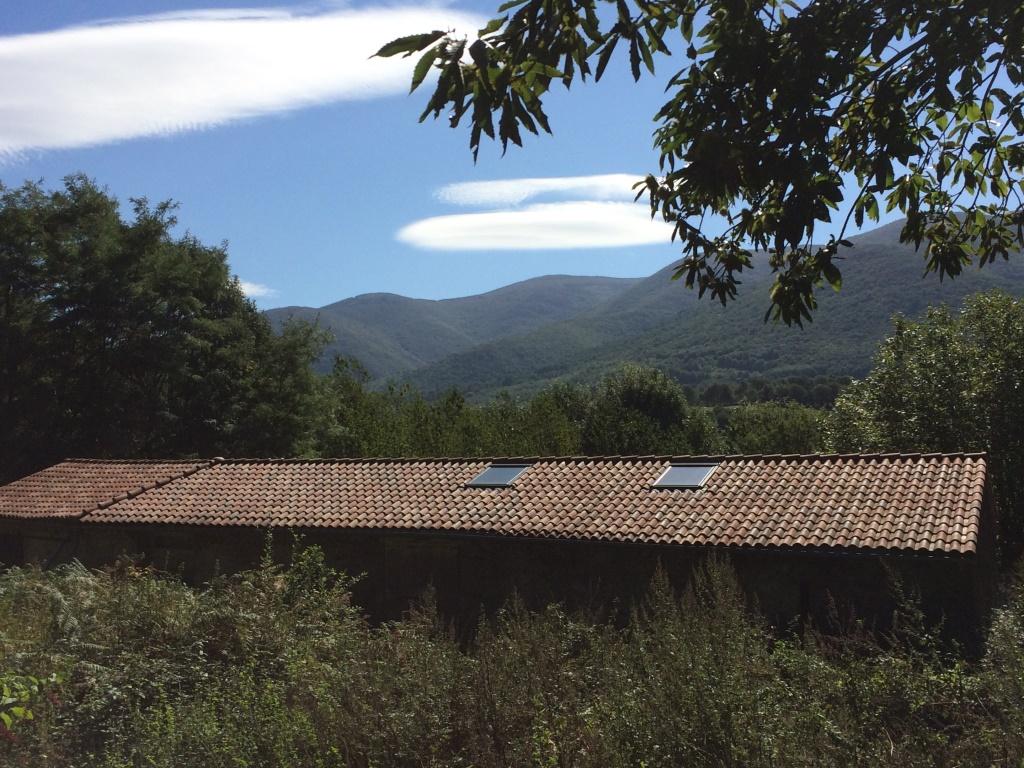 Charpente couverture zinguerie entretien de toiture for Pose de panneaux solaires sur toiture